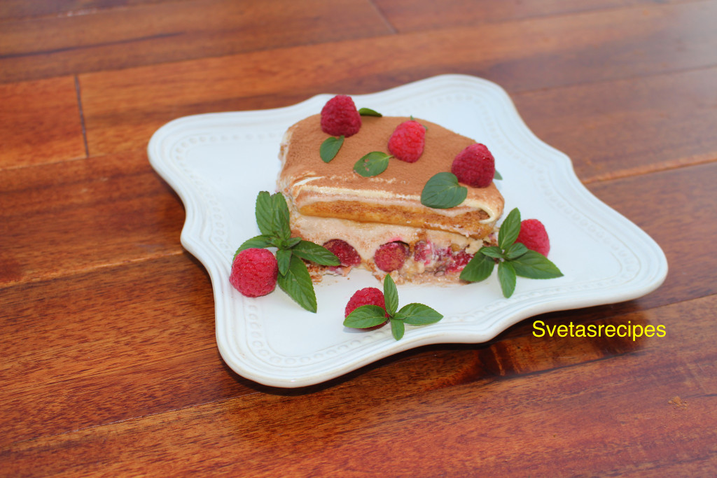 tiramisu-easy-raspberries-cocoa-cream-mascorpone cheese-dessert