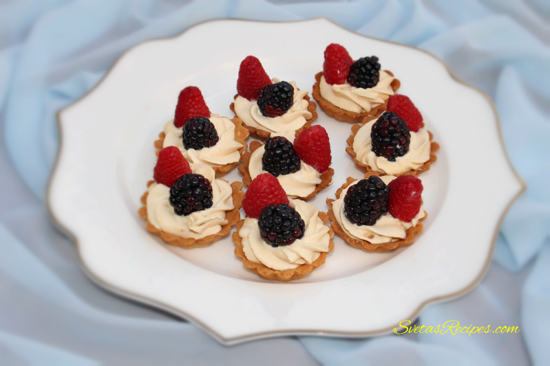 Cream Tarts With Fruits